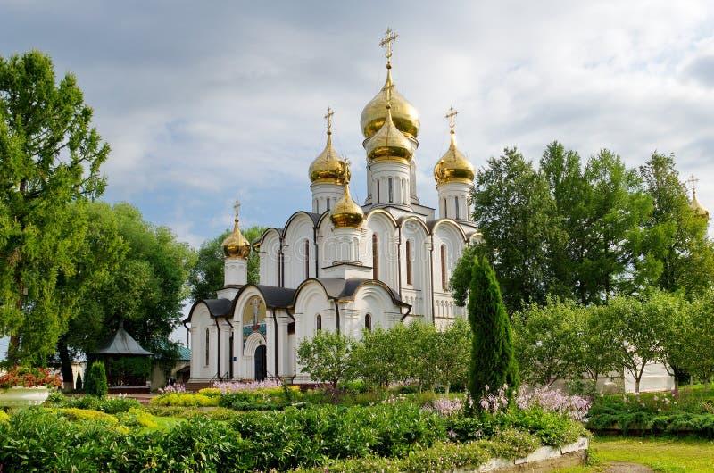 Nicholas domkyrka i den Svyato-Nikolsky nunnekloster, Pereslavl-Zalessky, Ryssland royaltyfri fotografi
