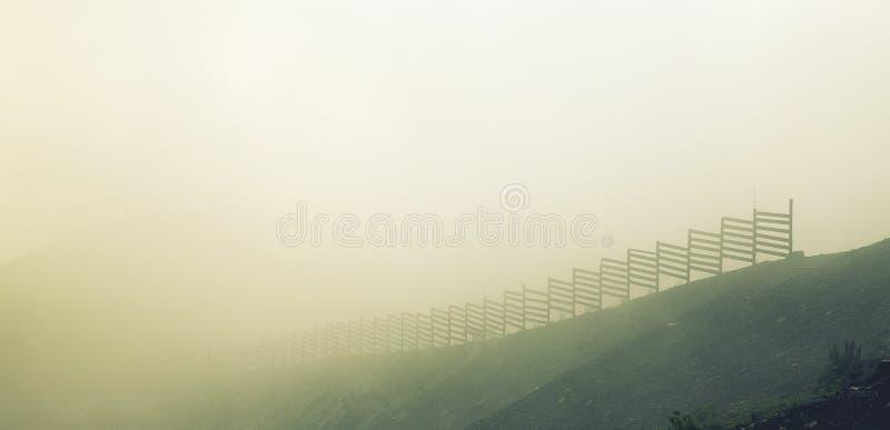 Nicht Nebel, Wolken lizenzfreie stockbilder