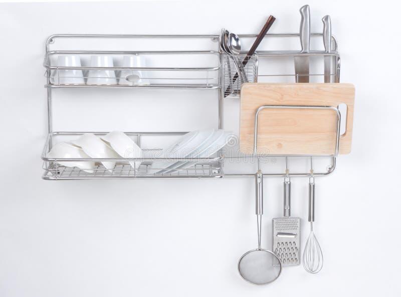 Nicht rostendes Regal in der Küche lizenzfreies stockfoto