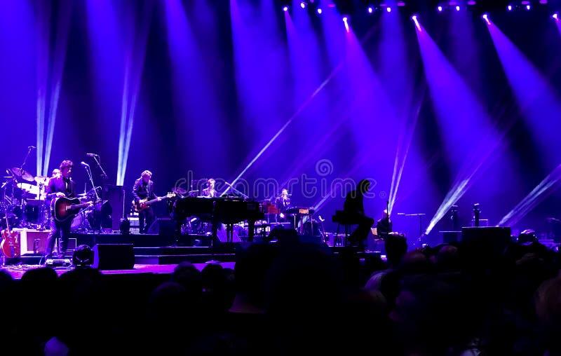 Nick Cave et les mauvaises graines de concert à Vienne image stock
