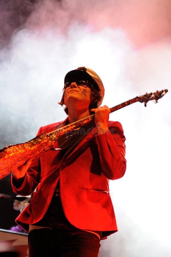 Nicky Wire, guitariste des prédicateurs maniaques de rue de bande de Gallois, exécute chez les Palaos Sant Jordi photo stock
