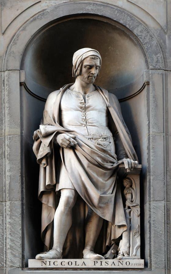Nicola Pisano, άγαλμα στο Niches of the Uffizi Colonnade στη Φλωρεντία στοκ εικόνα με δικαίωμα ελεύθερης χρήσης