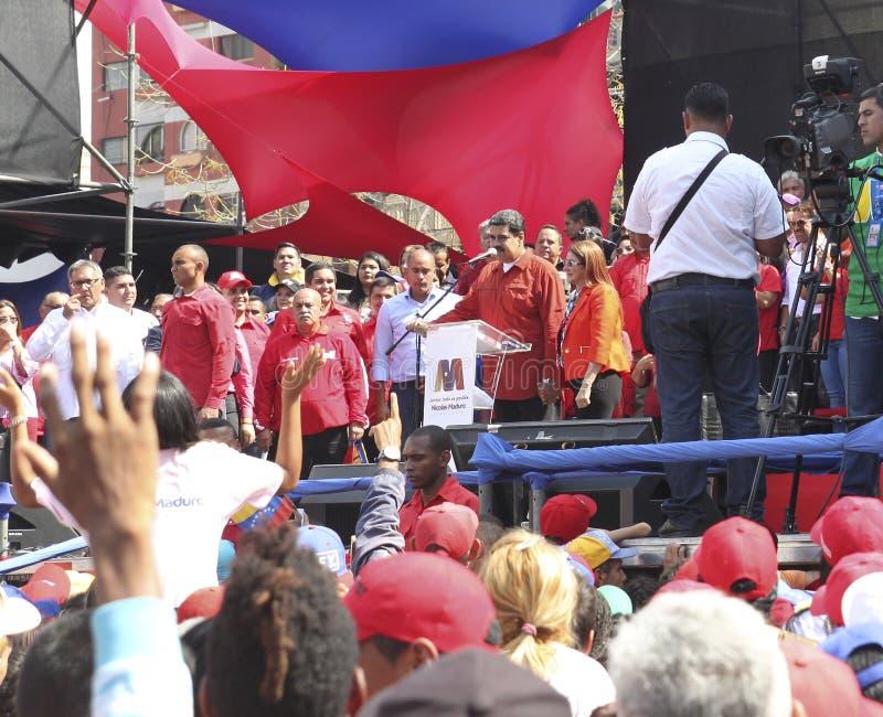 Nicolas Maduro s'enregistrant comme candidat pour l'élection présidentielle au Venezuela images libres de droits