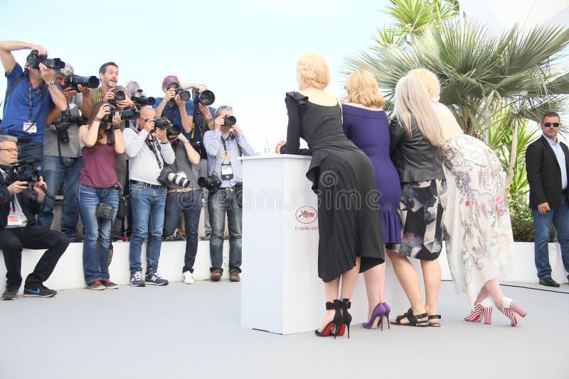 Nicole Kidman, Elisabeth Moss, Jane Campion e Gwendoline Chris imagem de stock royalty free