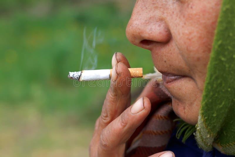 Nicotineverslaving royalty-vrije stock foto's