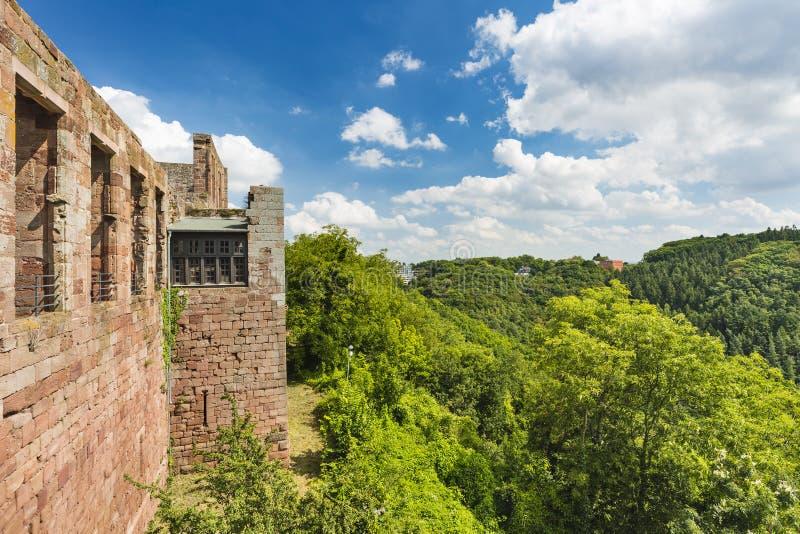 Nideggen kasztel I krajobraz w Eifel, Niemcy obrazy royalty free