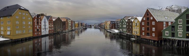 Nidelven,特隆赫姆,挪威 免版税图库摄影