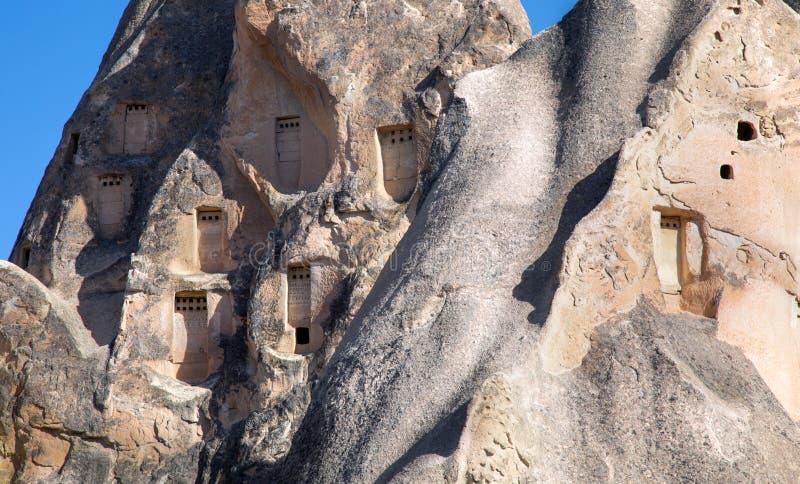 Nido di piccioni roccia e animale in Cappadocia, Turchia fotografia stock libera da diritti