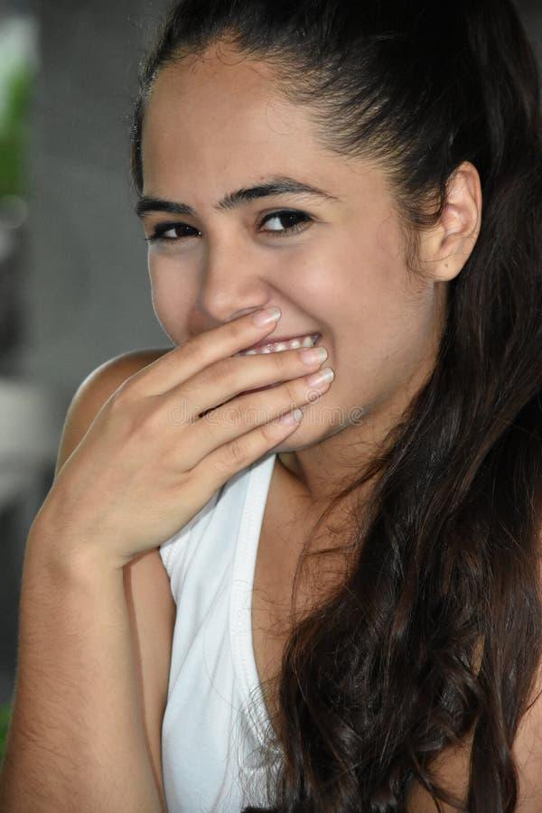 Nieśmiała Śliczna Kolumbijska osoba fotografia stock