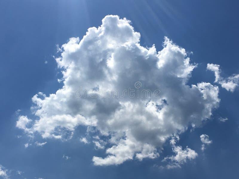 Nieba i chmury tło fotografia royalty free