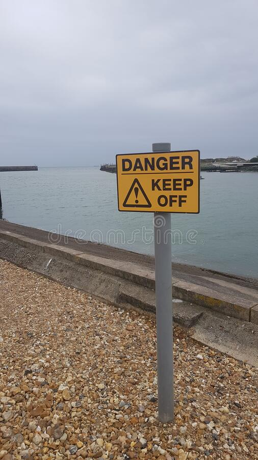 Niebezpieczeństwo nie zbliża się do portu morskiego fotografia stock