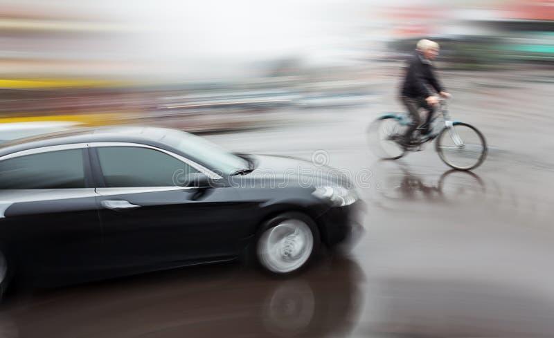 Niebezpieczna miasto ruchu drogowego sytuacja obrazy royalty free
