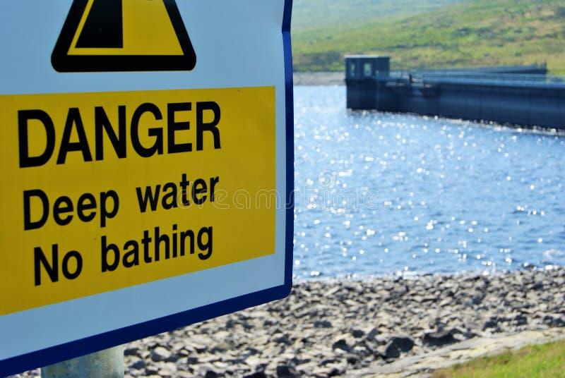 niebezpieczna woda zdjęcie stock
