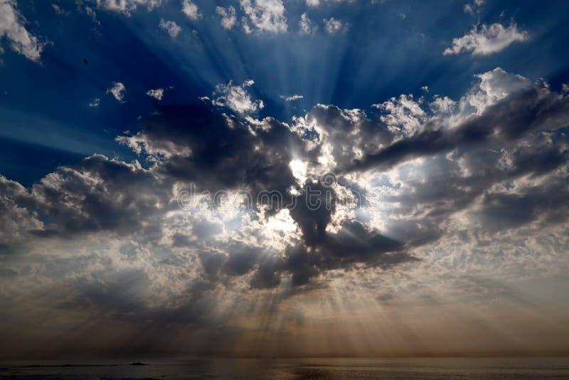 niebiańscy sunbeams zdjęcia stock