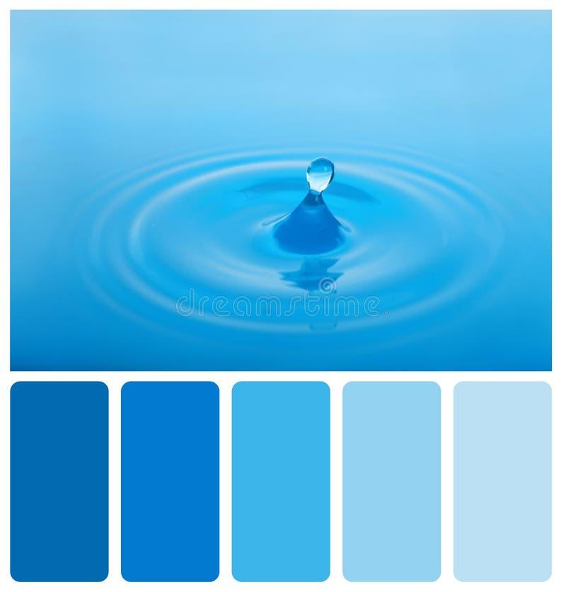 niebieska plusk wody fotografia stock