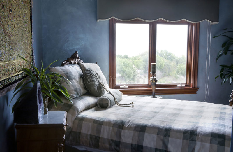 niebieska sypialni zdjęcia royalty free