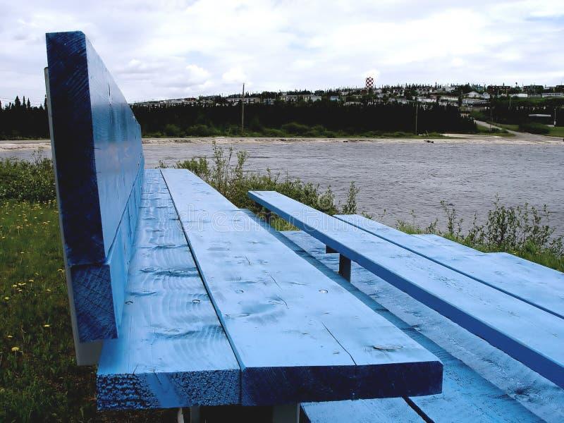 niebieski ławki parku obrazy royalty free