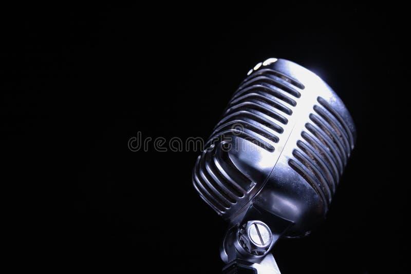 niebieski jazzowego microphon starego stylu zdjęcia royalty free
