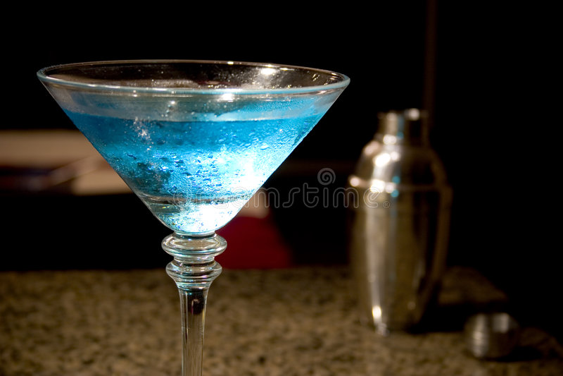 niebieski Martini mieszadło fotografia royalty free
