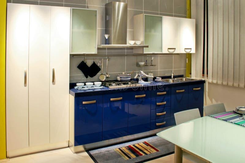 niebieski odpierająca kuchni zdjęcie stock