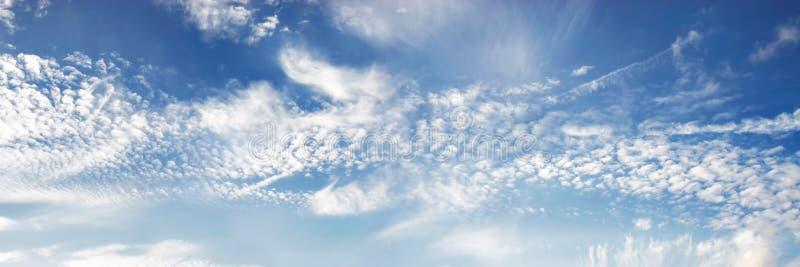 niebieski panorama niebios zdjęcie royalty free