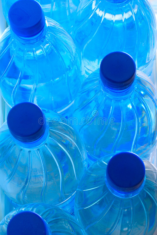 niebieski plastik butelki zdjęcia royalty free