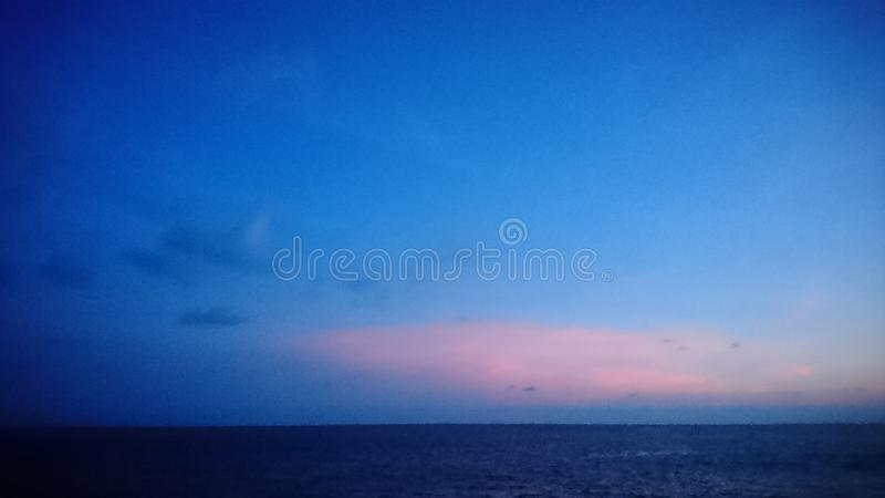 niebieski słońca zdjęcia royalty free