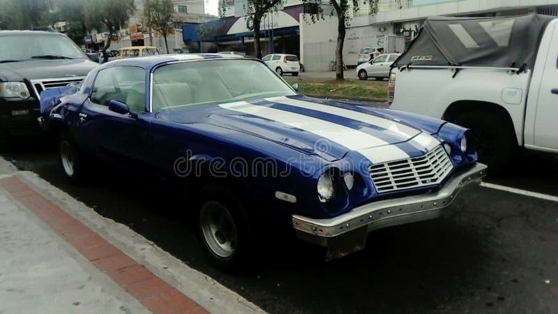 niebieski samochód classic zdjęcie stock