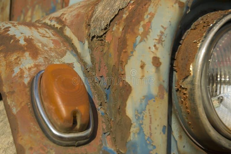 niebieski samochód fasonujący stary zdjęcie royalty free