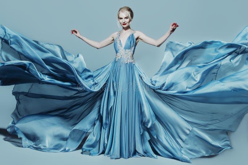 niebieski smokingowa kobieta obrazy stock