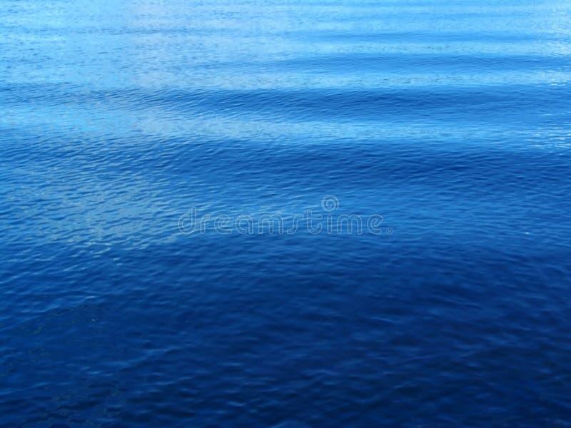 niebieskie fale obrazy royalty free