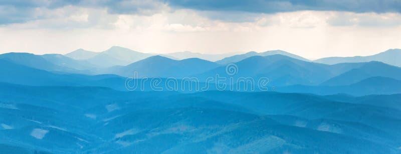 niebieskie góry obrazy stock