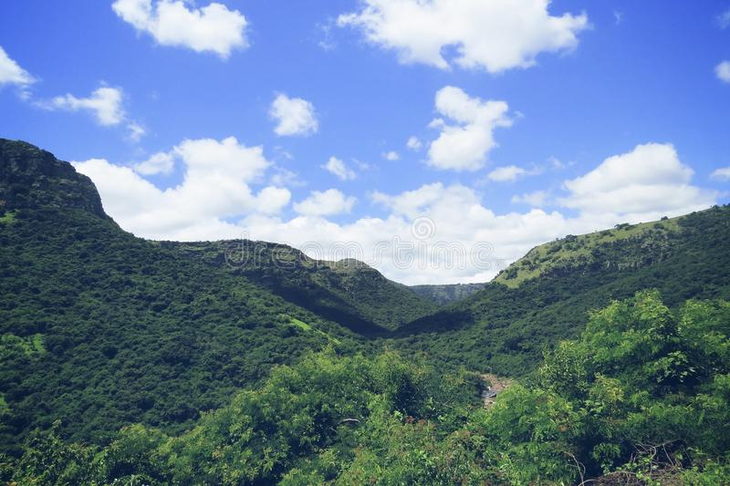 Niebieskie nieba zulu Natal Południowa Afryka obrazy stock