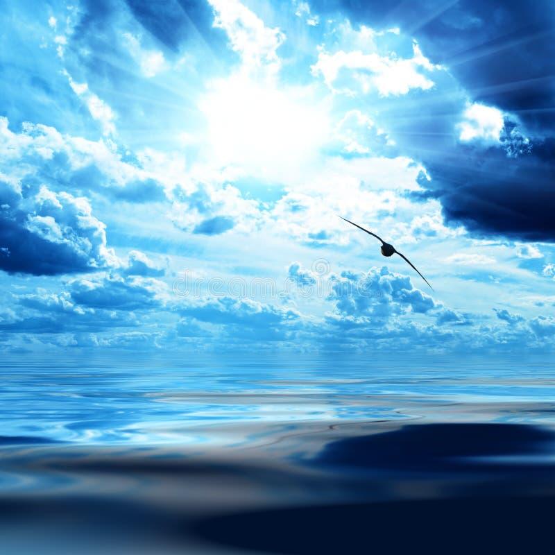 niebieskie niebo woda zdjęcia stock