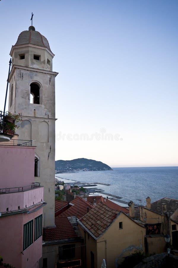 niebieskiego nieba steeple fotografia stock