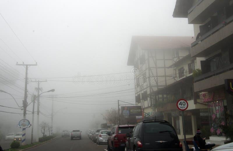 Niebla de la ciudad fotos de archivo