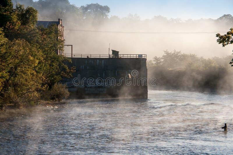 Niebla de la mañana imagen de archivo