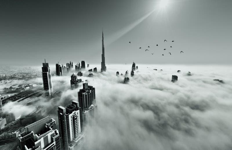 Niebla en Dubai imagenes de archivo