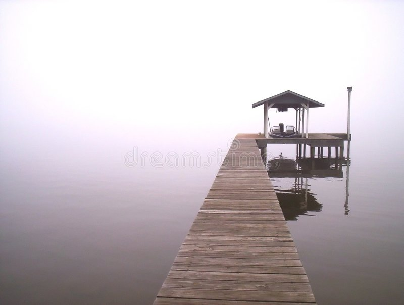 Niebla en el lago imágenes de archivo libres de regalías