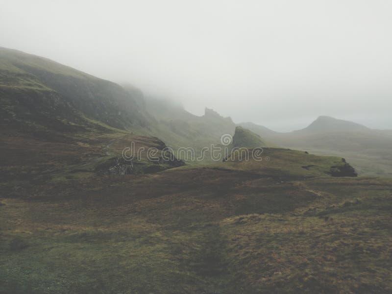 Niebla en Inverness en invierno imagen de archivo