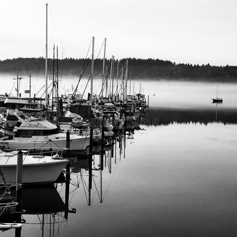 Niebla en la bahía imagen de archivo libre de regalías