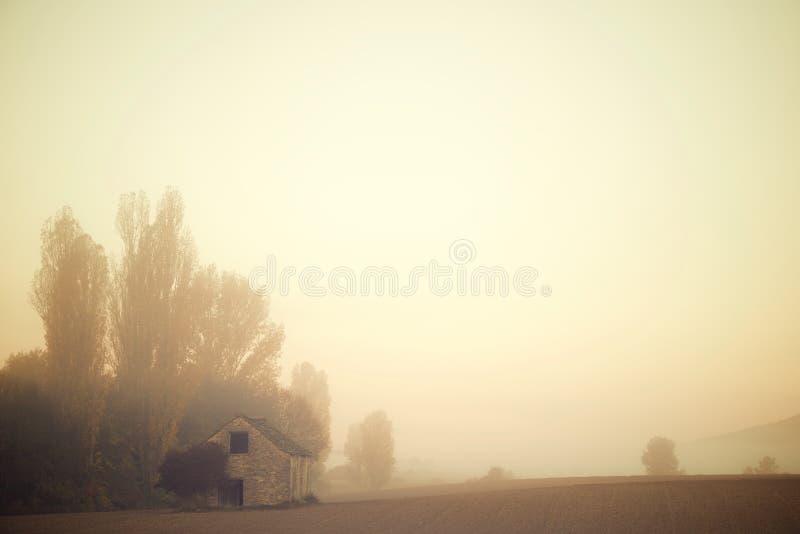Niebla en los Pirineos foto de archivo