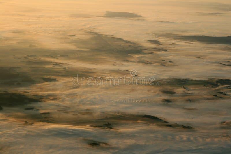 Niebla en pista imagen de archivo