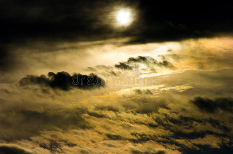 Download Niebo obraz stock. Obraz złożonej z chmurny, dynamiczny - 13328809