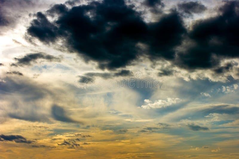 Download Niebo obraz stock. Obraz złożonej z zmierzch, chmury - 13328825
