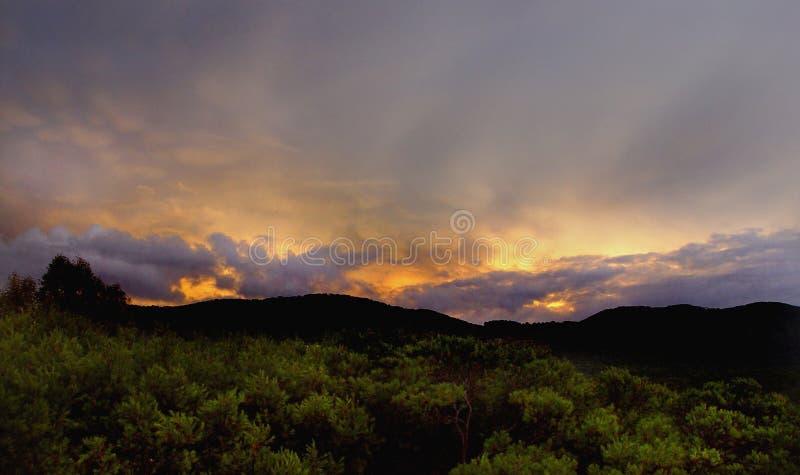 niebo atomowy wschód słońca obraz royalty free