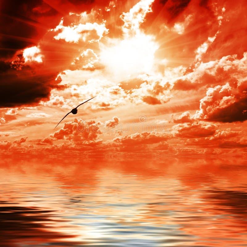 niebo czerwona woda zdjęcia stock