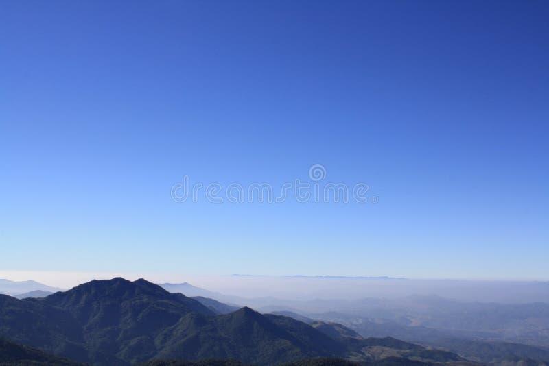 Niebo i góra obrazy royalty free