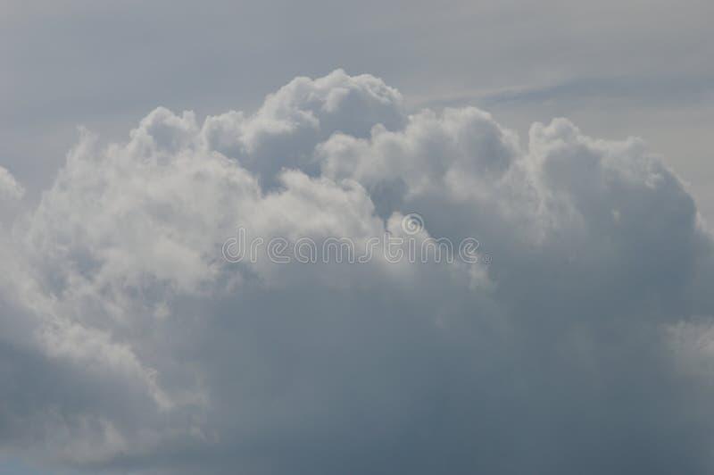 Niebo i potężna chmura zdjęcie royalty free