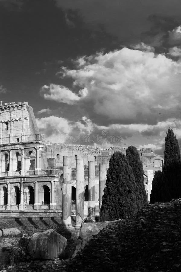 Niebo i ruiny zdjęcie stock